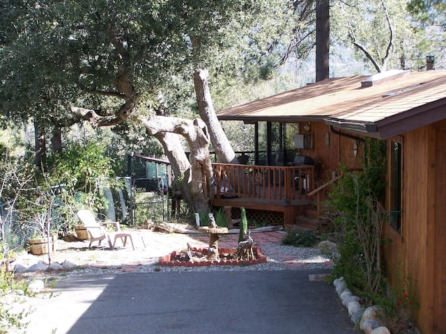 Dreamcatcher-Views!Spa!Walk to Town - Idyllwild-Pine Cove - Casa