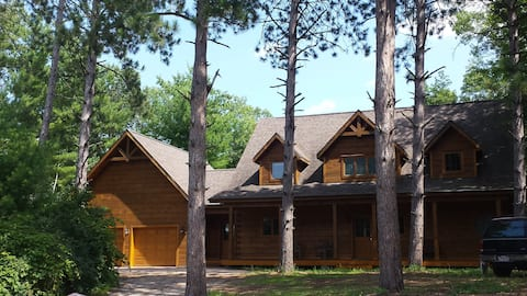 Luxury Log Home with a private dock on the Chain