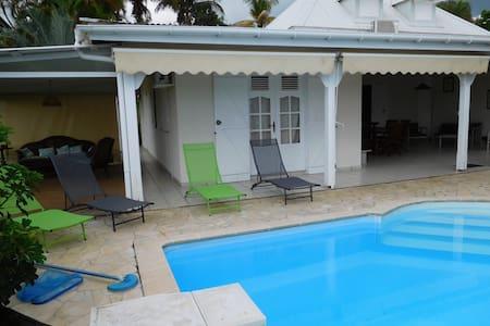 Maison individuelle avec piscine - Saint Claude
