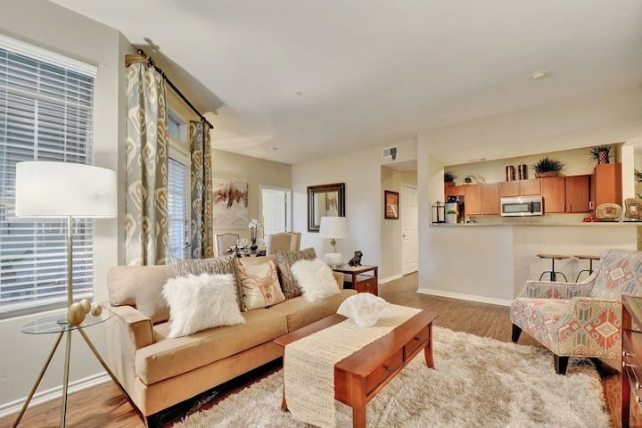 Relax in your own apt | 2BR in Austin