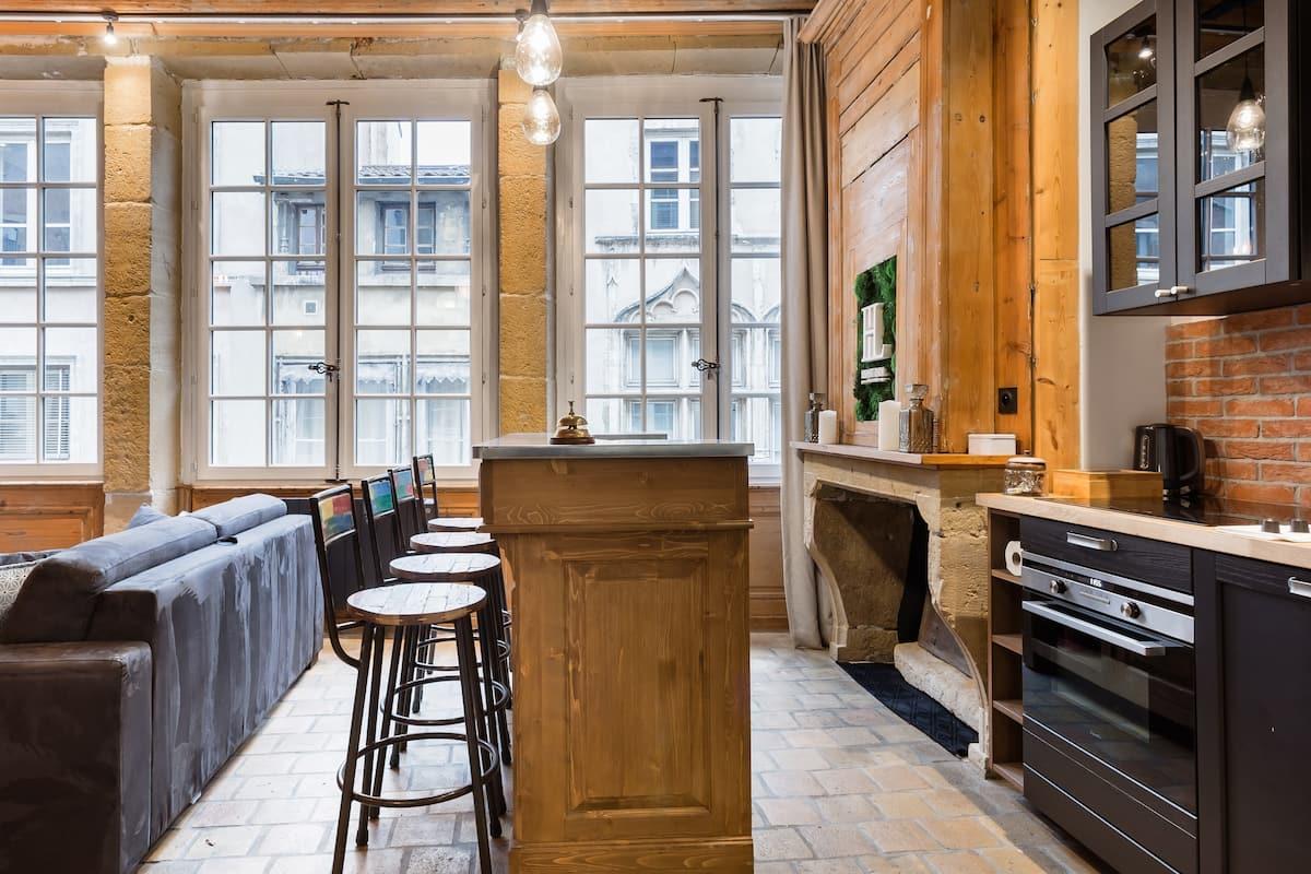 """Rare Appartement """"Spa Jaccuzi"""" Cœur Vieux Lyon"""