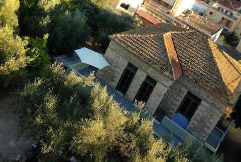 Fully-detached bioclimatic house in 1200m2 garden