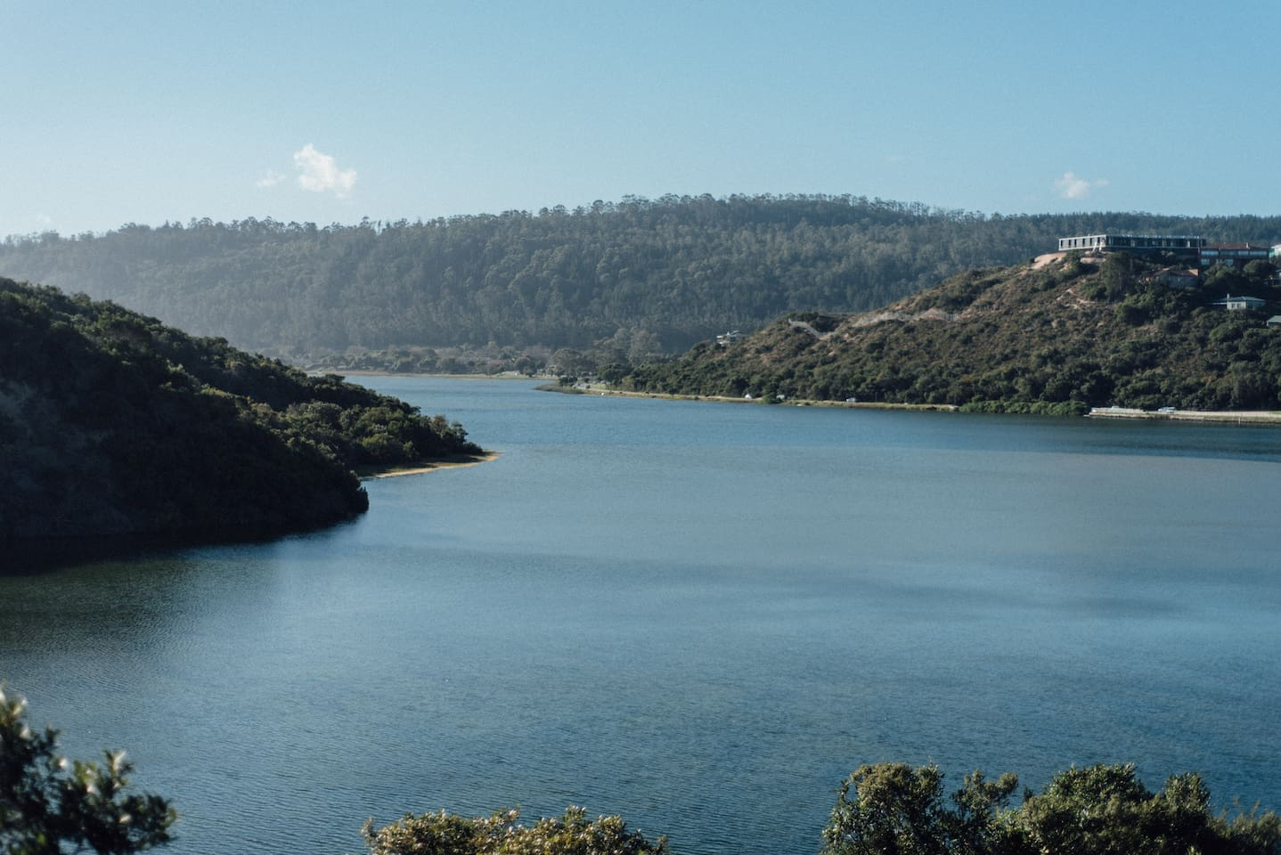 Come enjoy the beautiful view over the Sedgefield lagoon. Corada is your ideal home away from home.