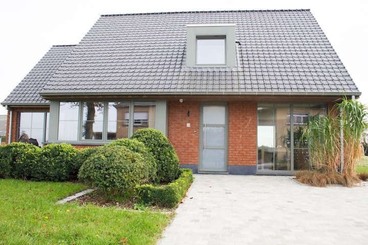 Beautiful villa in Alveringem with a large private garden