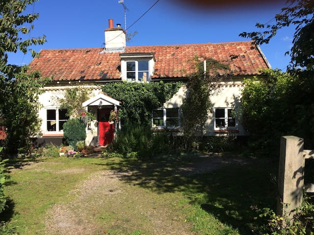 Quaint Suffolk cottage - Suffolk - Bed & Breakfast