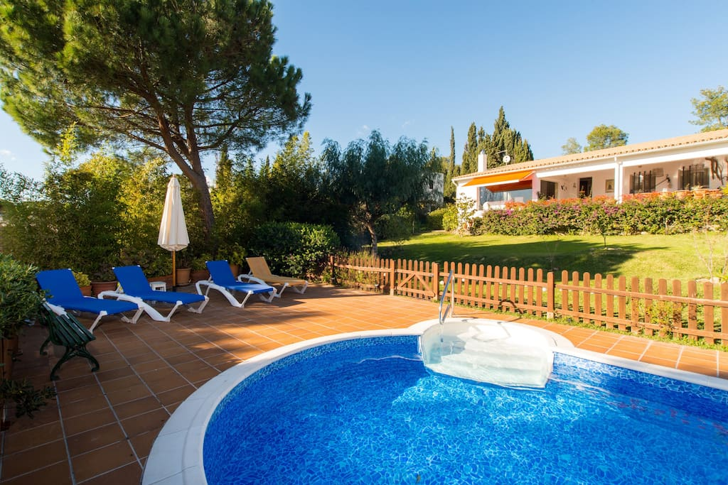 Costabravaforrent masramon house with pool houses for for Pool durchmesser 4 50