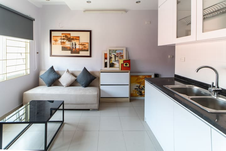 Hoang Cau apartment - Home away from home