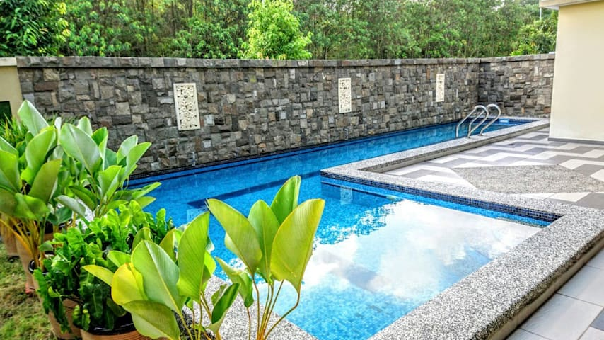 Private Swimming Pool House To Legoland And Aeon Villas For Rent In Gelang Patah Johor Malaysia