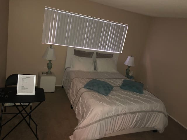 Master Suite, very clean and quiet for one person