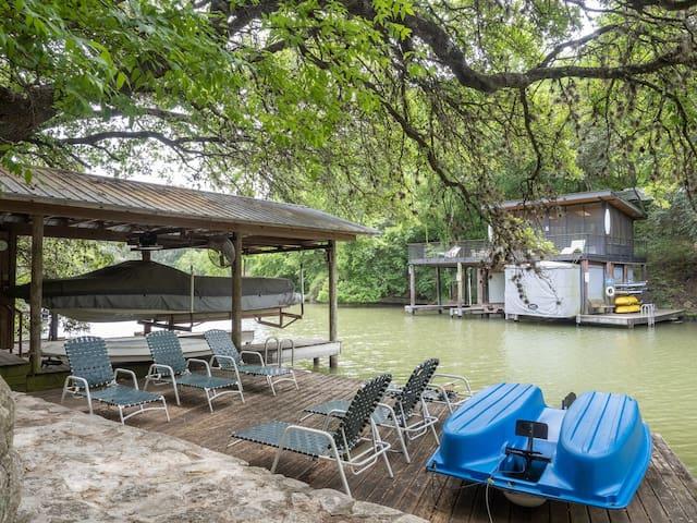 Evangeline - Luxury Lake Austin Sanctuary with Direct Lake Access