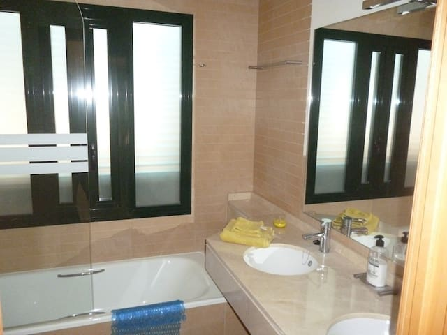 HL 015 2 Bedroom Apartment, HDA golf resort