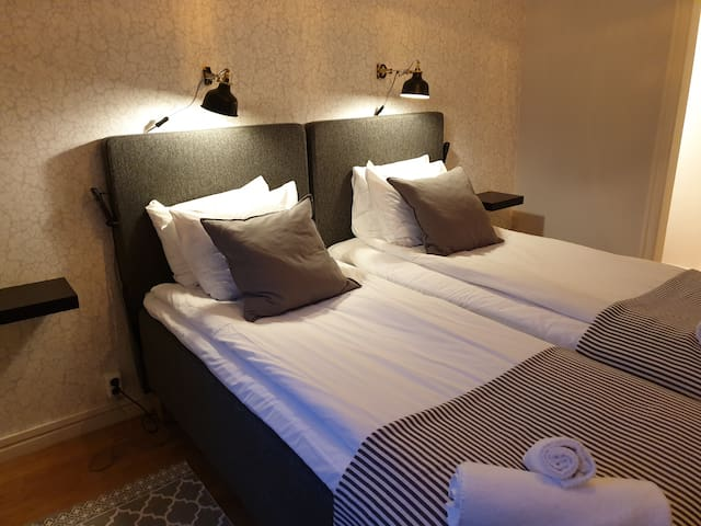 A Marican Hostel: Private room with 2 beds (#205)