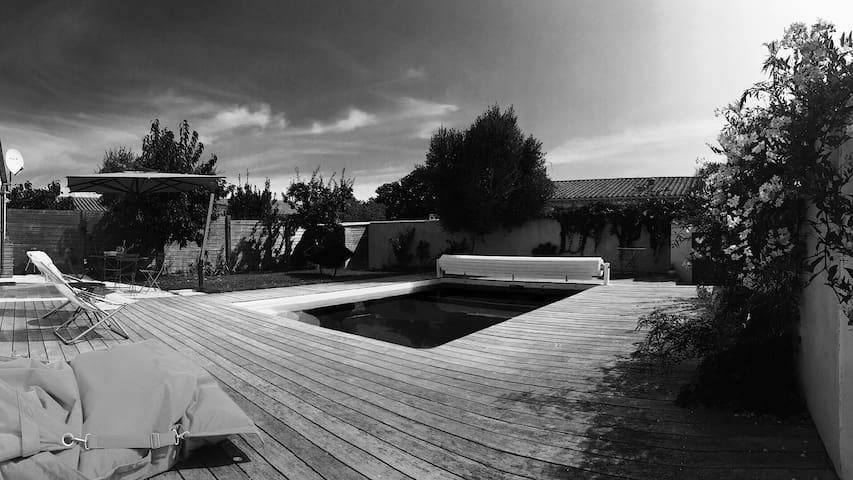 Charming modern house with pool on Ile de Ré