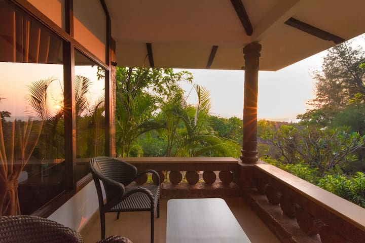 Kundapura Homestay: Sea Facing Earth Cottage