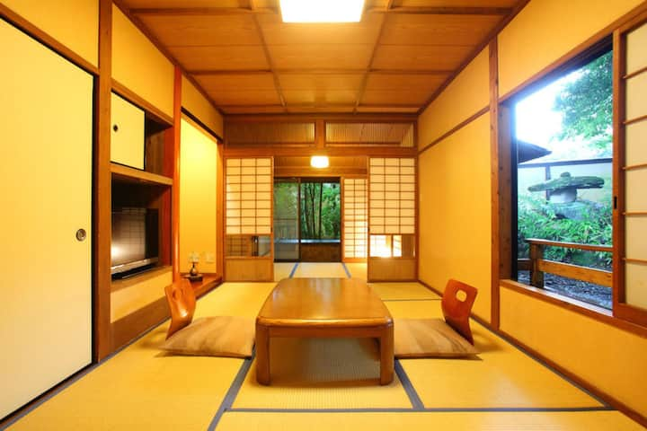 【阿蘇/小田温泉】 Japanese style room! [Breakfast and Dinner included][From 2pax]