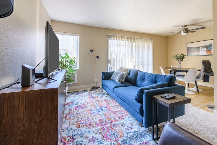 Spacious 1BR Apt in Santa Clara w/ Gym + Pool