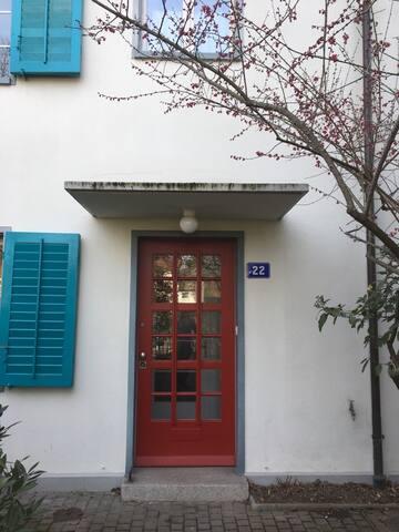 Apartment (3 persons) near exhibition square