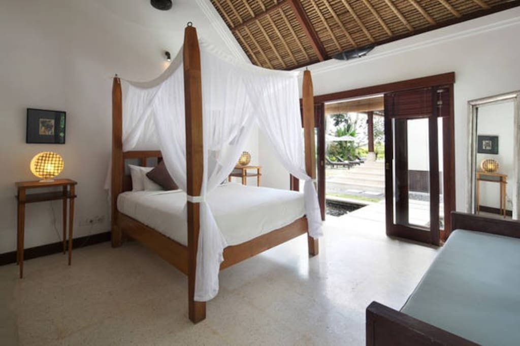 Our cool air conditioned bedrooms, four poster canopied queen size beds and tranquil surroundings will ensure you sleep soundly and wake refreshed