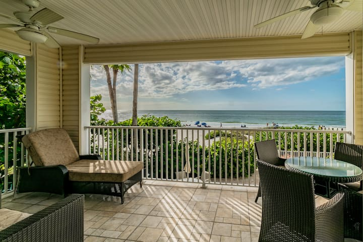 """Vacation on the sand"" ocean front condominium"