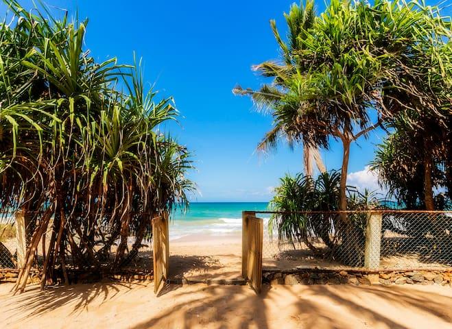 Olu Beach Villa - enchanting ocean front villa - Ambalangoda - Villa