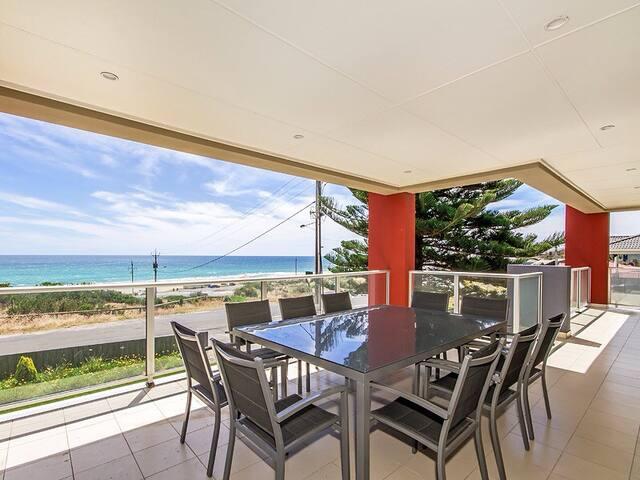 Amazing 5 bedroom beachfront home