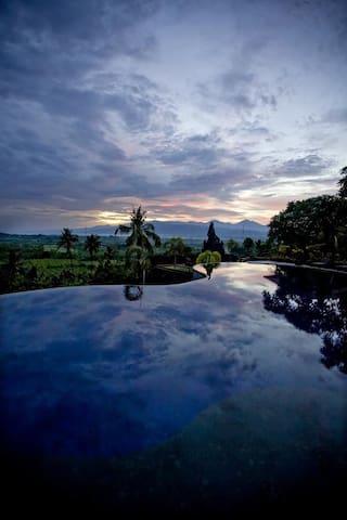 One Bedroom Seririt Resort #2 West Bali