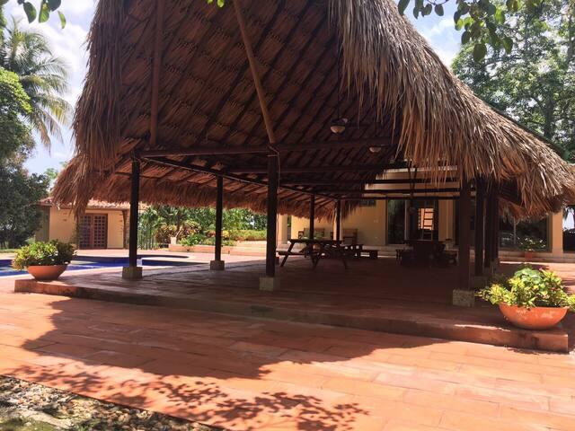 El Cortijo - Turbaco - Vila
