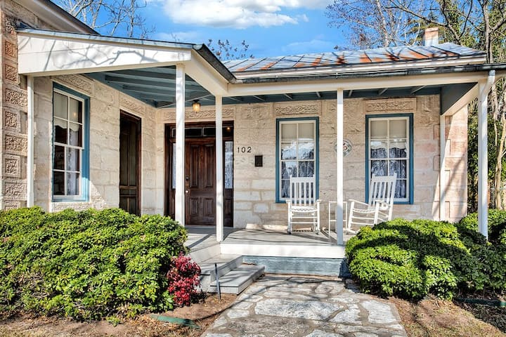Fred Haus | Walking distance to Main Street | Dogs Allowed w/fee