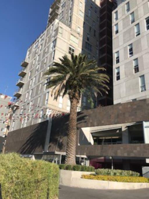 Nuevo Edificio con Acceso Seguro New Building with Safe access