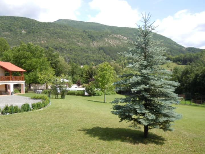 Appartement avec piscine à Jarjayes Hautes Alpes