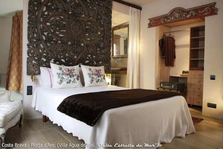 Villa Agua de Sal_Suite con terraza - Castell-Platja d'Aro - Bed & Breakfast