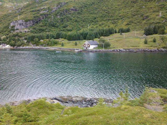 Bjønnmyra i Finnbyen som ligger på Flakstadøy. - Ramberg - Daire