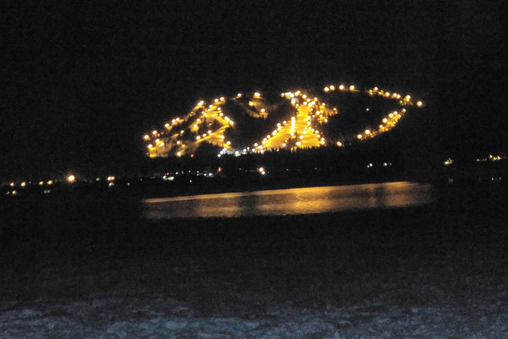Snow summit lit for night sking