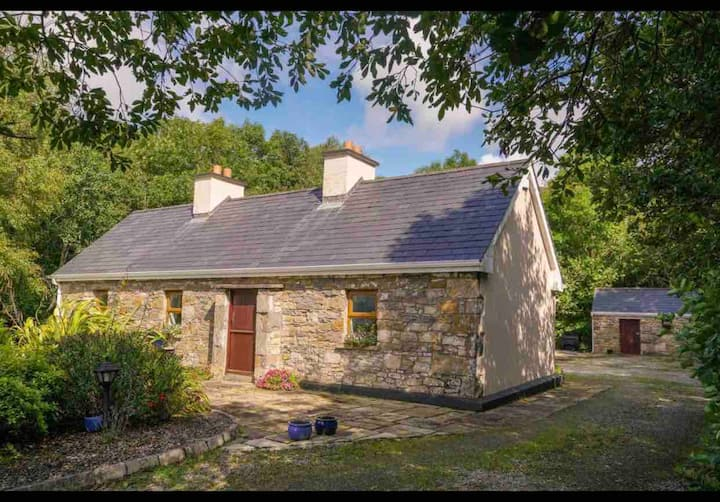 Lavender Lake view Cottage  Family County Leitrim