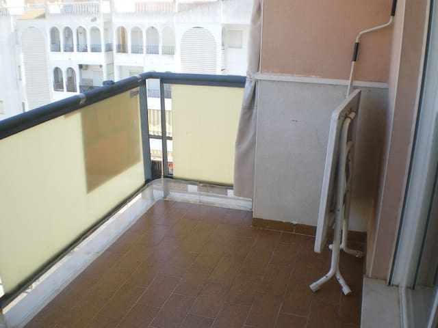 Apartamento a 150 m de playa, garaje, piscina - El Portil - Apartment