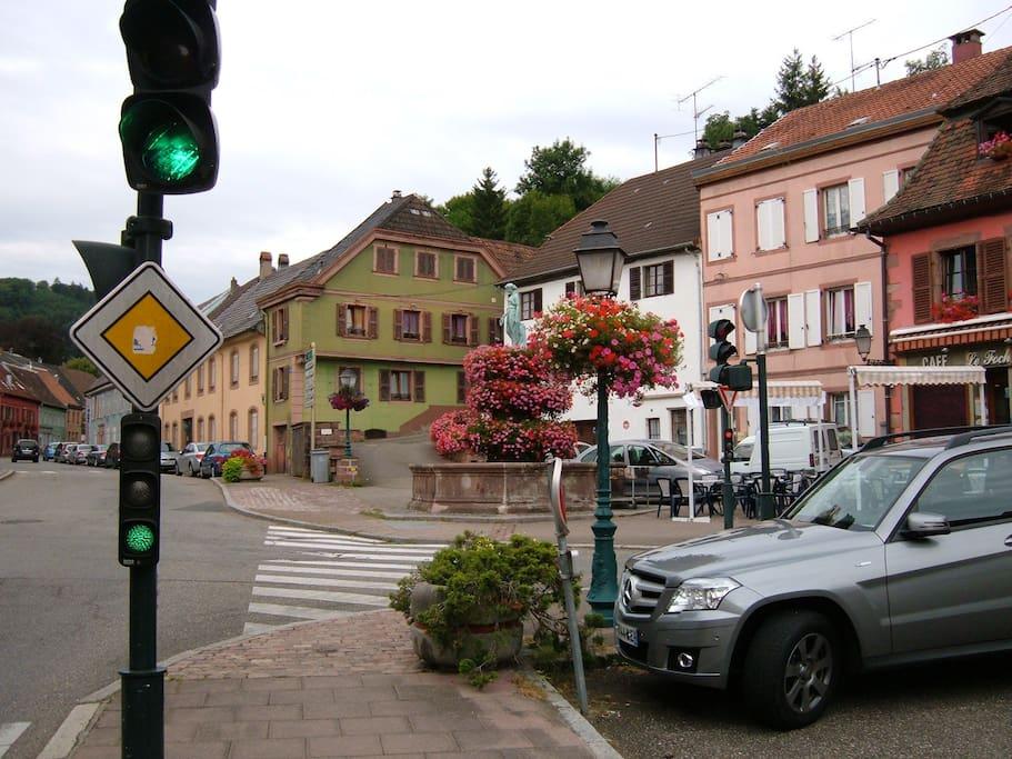 emplacement aéré avec parking public gratuit
