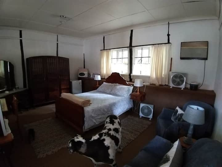 Rainhill Farm B&B: Ouma's Room