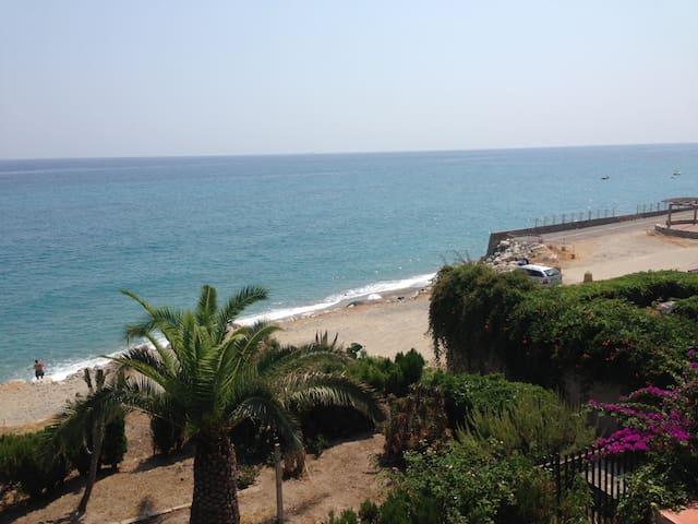 Calabria villa sul mare bellissima - Monasterace Marina - Huis