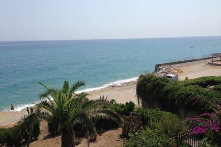 Calabria villa sul mare bellissima - Monasterace Marina - Dům
