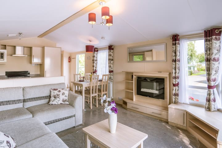 Static caravan on 5* country holiday park (H41)