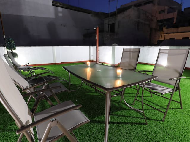 Free Parking & Private Terrace . Old Town of Cordoba. AL1