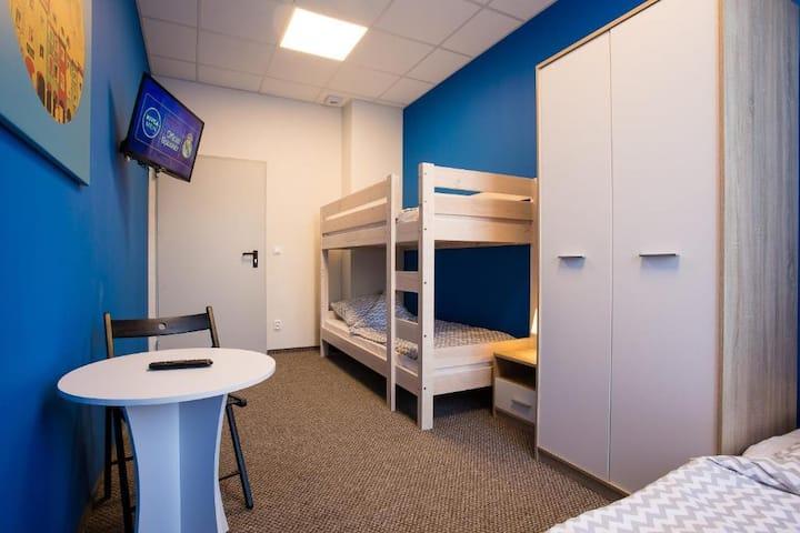 Pokój 3-osobowy ze wspólną łazienką Moon Hostel