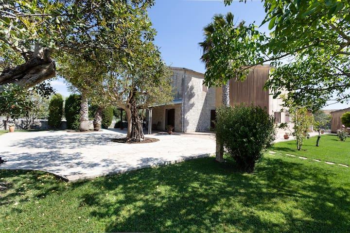 Comfortable Villa discounted in Modica Countryside
