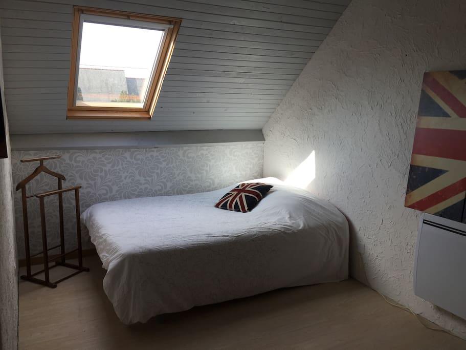 La chambre avec le second lit