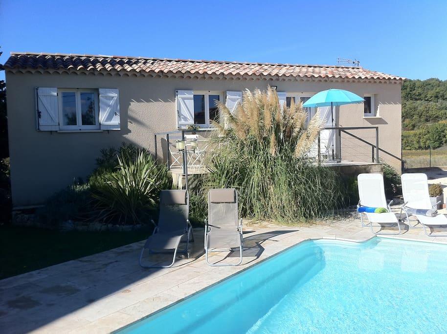 G te avec piscine en ard che proven ale apartments for for Auvergne gites avec piscine