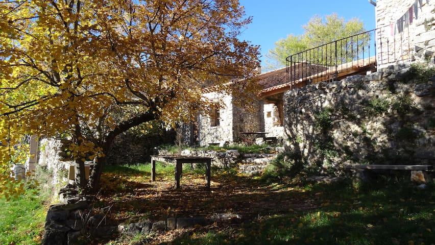 ancienne chèvrerie  restaurée - Monieux - Hus