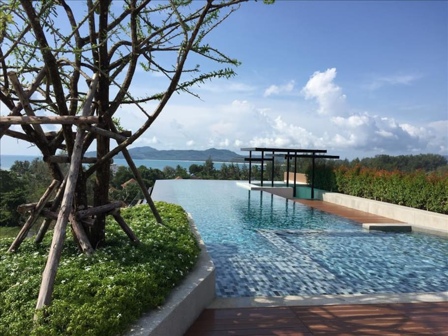 Seaview Rooftop infinity pool