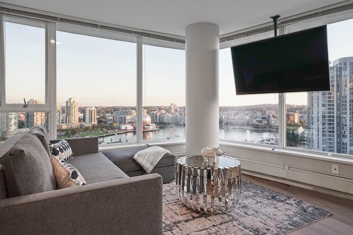 Stunning Views from Every Room -  Sleeps 8