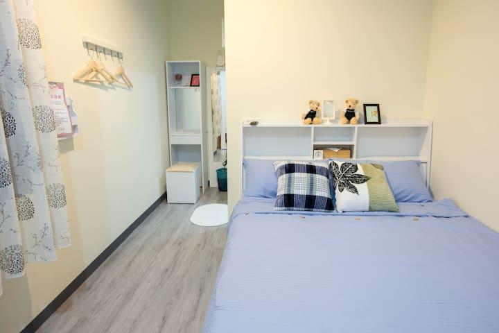 台南333巷日宿套房-粉-雙人套房獨立衛浴-平價親民-近市中心-小西門-藍晒圖