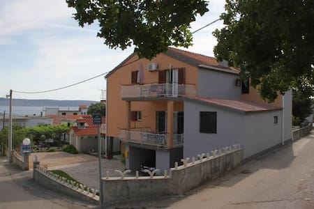 Room with balcony and sea view Starigrad, Paklenica (S-6594-b) - Starigrad